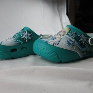 Crocs Junior Girl's Size 3  FROZEN Clogs. NEW #471
